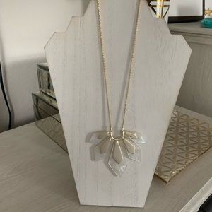 Kendra Scott Mother of Pearl Flower Necklace